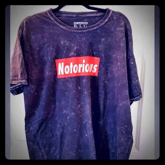 Tops - Notorious Graphic Tee